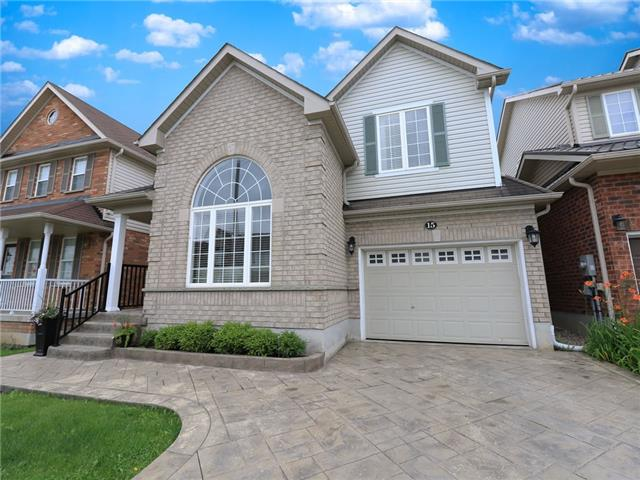 Detached at 15 Brookwood Dr, Barrie, Ontario. Image 1