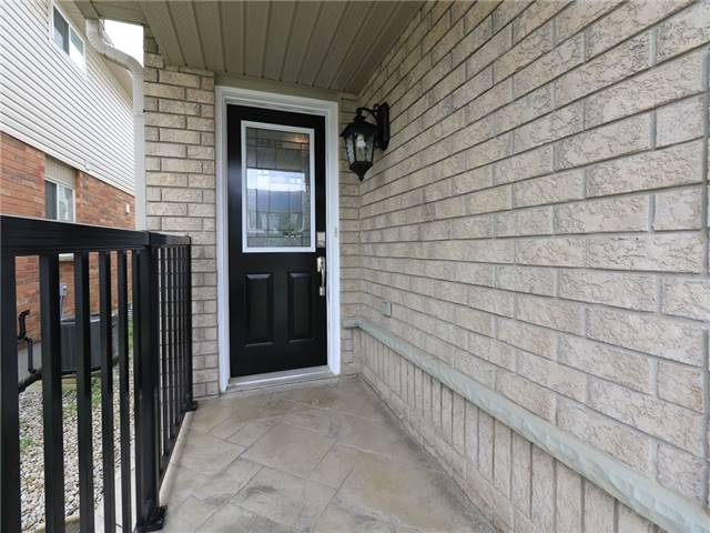 Detached at 15 Brookwood Dr, Barrie, Ontario. Image 9