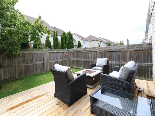 Detached at 15 Brookwood Dr, Barrie, Ontario. Image 10
