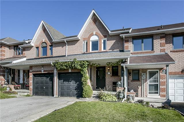 Townhouse at 27 Brucker Rd, Barrie, Ontario. Image 1
