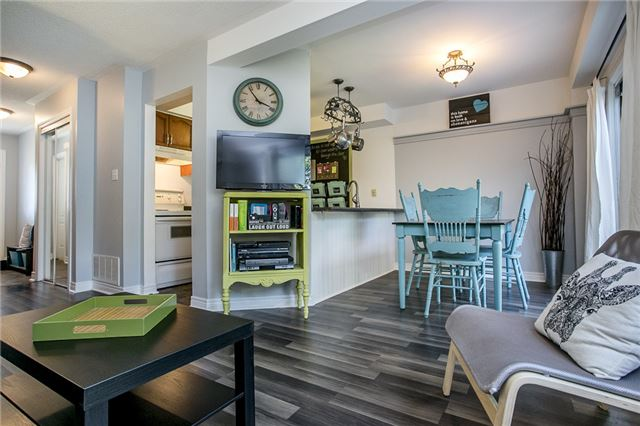 Townhouse at 27 Brucker Rd, Barrie, Ontario. Image 7