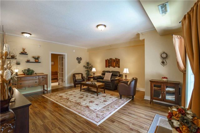 Condo Apartment at 43 Ferndale Dr, Unit 212, Barrie, Ontario. Image 14