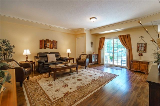 Condo Apartment at 43 Ferndale Dr, Unit 212, Barrie, Ontario. Image 15