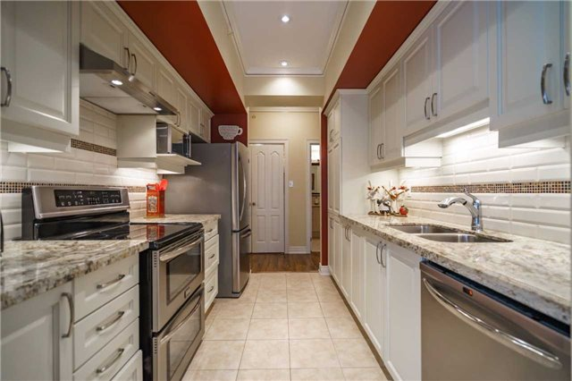 Condo Apartment at 43 Ferndale Dr, Unit 212, Barrie, Ontario. Image 18