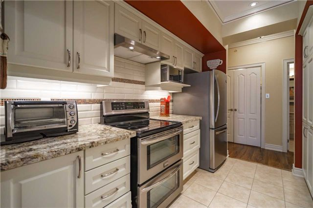 Condo Apartment at 43 Ferndale Dr, Unit 212, Barrie, Ontario. Image 19