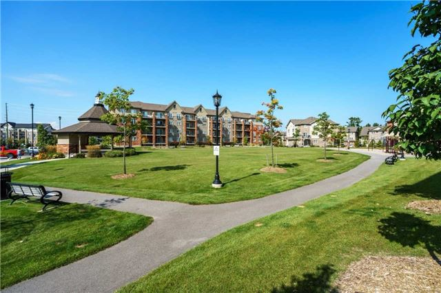 Condo Apartment at 43 Ferndale Dr, Unit 212, Barrie, Ontario. Image 11
