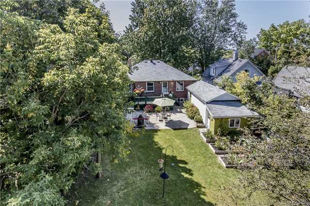 Detached at 123 Dundonald St, Barrie, Ontario. Image 2