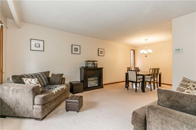 Detached at 17 Grand Pl, Barrie, Ontario. Image 12