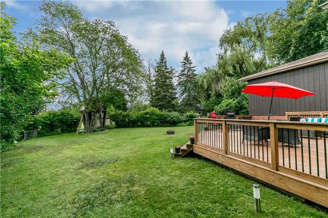 Detached at 17 Grand Pl, Barrie, Ontario. Image 5