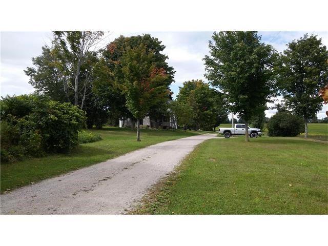 Detached at 1086 Ridge Rd E, Oro-Medonte, Ontario. Image 7