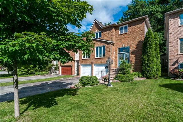 Detached at 46 Moore Pl, Barrie, Ontario. Image 1