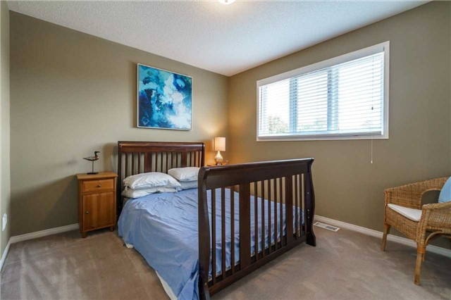 Detached at 41 Benson Dr, Barrie, Ontario. Image 7