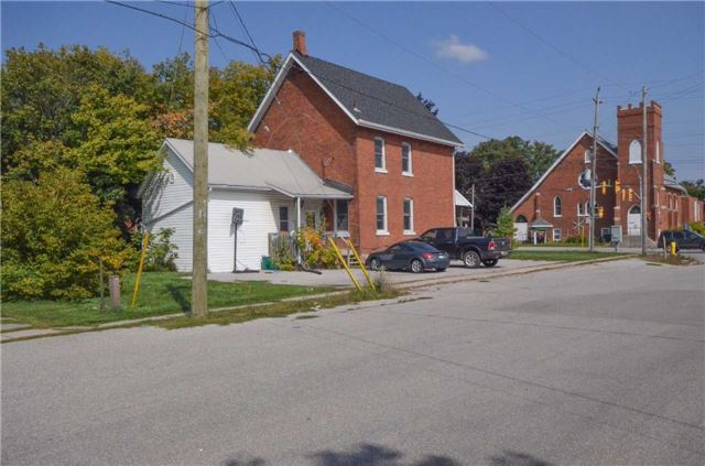 Detached at 20 Yonge St S, Springwater, Ontario. Image 11