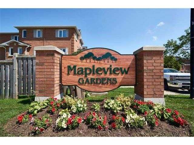 Condo Townhouse at 506 Essa Rd, Unit 35, Barrie, Ontario. Image 1