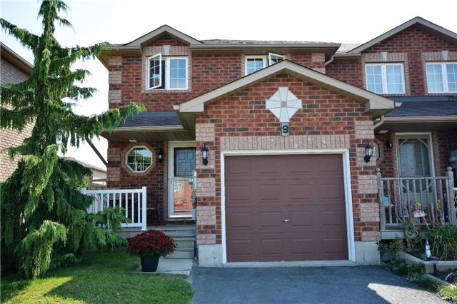 Townhouse at 9 Coronation Pkwy, Barrie, Ontario. Image 1