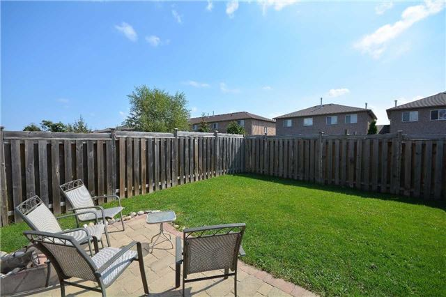 Townhouse at 9 Coronation Pkwy, Barrie, Ontario. Image 14