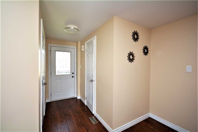 Townhouse at 9 Coronation Pkwy, Barrie, Ontario. Image 15