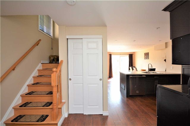 Townhouse at 9 Coronation Pkwy, Barrie, Ontario. Image 16