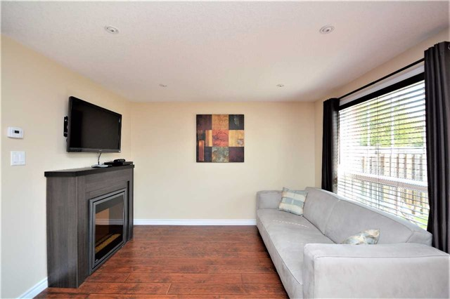Townhouse at 9 Coronation Pkwy, Barrie, Ontario. Image 20