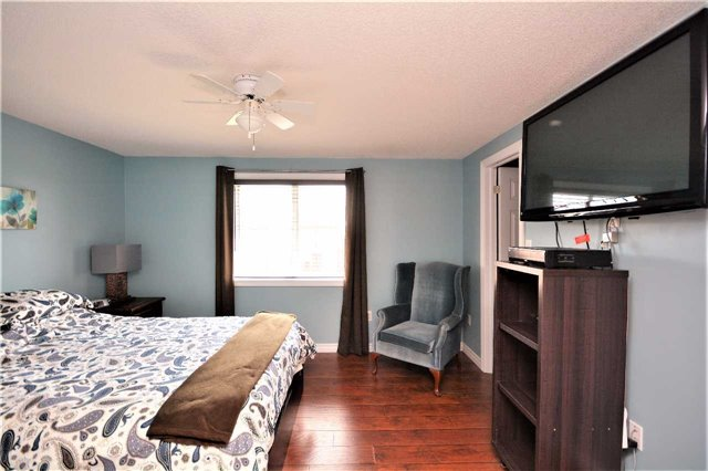 Townhouse at 9 Coronation Pkwy, Barrie, Ontario. Image 5