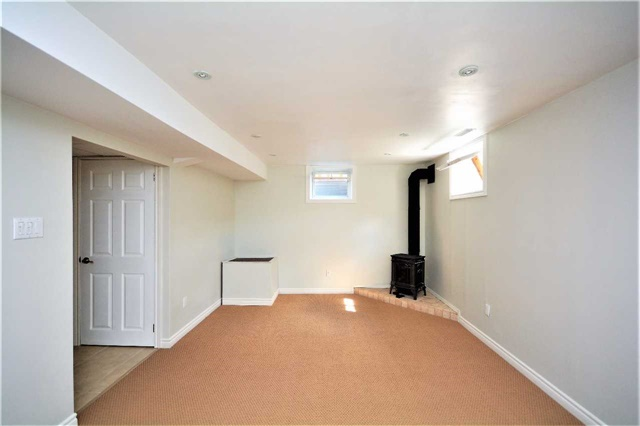 Townhouse at 9 Coronation Pkwy, Barrie, Ontario. Image 11