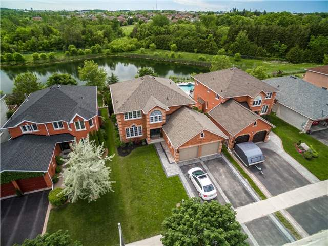 Detached at 71 Grace Cres, Barrie, Ontario. Image 1