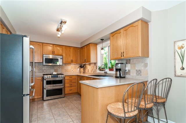 Detached at 71 Grace Cres, Barrie, Ontario. Image 12