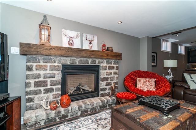 Detached at 71 Grace Cres, Barrie, Ontario. Image 5