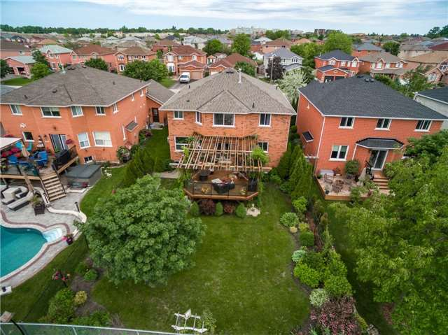 Detached at 71 Grace Cres, Barrie, Ontario. Image 11
