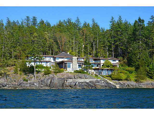 Detached at 11579 SUNSHINE COAST HIGHWAY, Sunshine Coast, British Columbia. Image 1