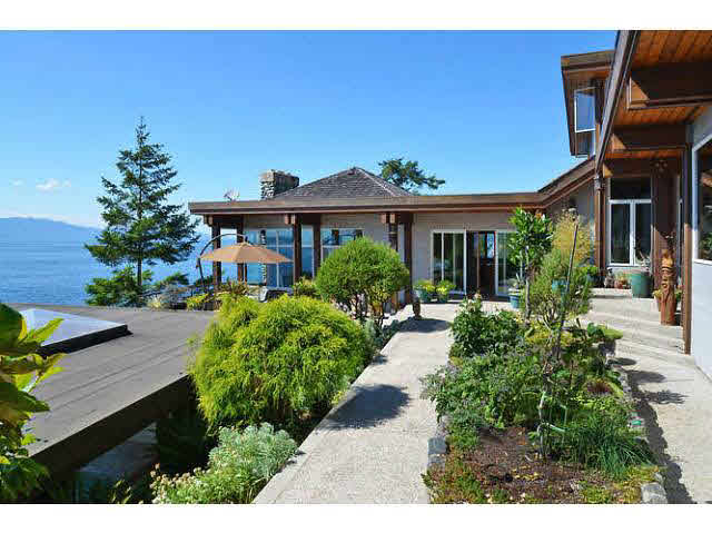 Detached at 11579 SUNSHINE COAST HIGHWAY, Sunshine Coast, British Columbia. Image 4