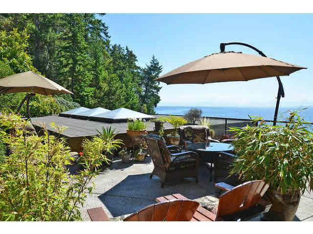 Detached at 11579 SUNSHINE COAST HIGHWAY, Sunshine Coast, British Columbia. Image 16