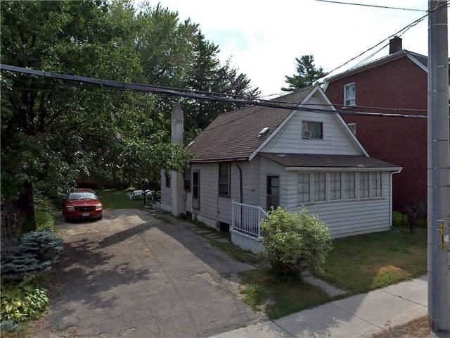 Detached at 10 Mississauga Rd N, Mississauga, Ontario. Image 1