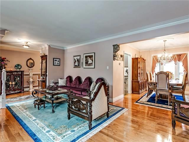 Detached at 148 Hollyrood Heights Dr, Mississauga, Ontario. Image 11