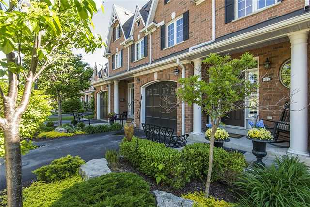 Condo Townhouse at 85 Church St, Unit 4, Mississauga, Ontario. Image 11
