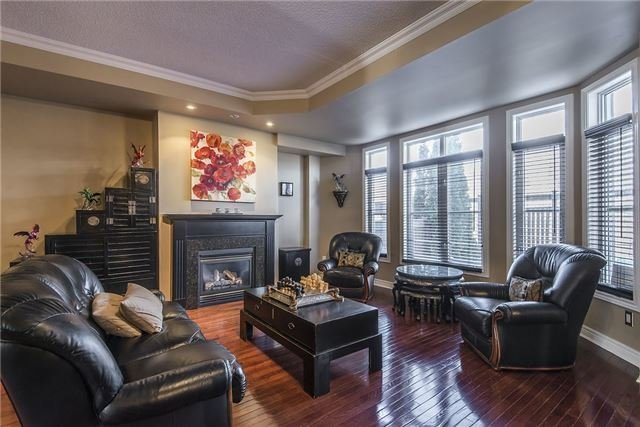 Condo Townhouse at 85 Church St, Unit 4, Mississauga, Ontario. Image 14