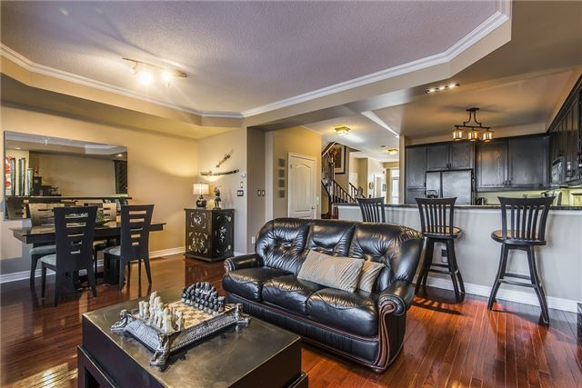 Condo Townhouse at 85 Church St, Unit 4, Mississauga, Ontario. Image 15