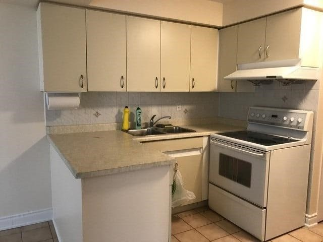 Condo Apartment at 2901 Kipling Ave, Unit 1103, Toronto, Ontario. Image 6