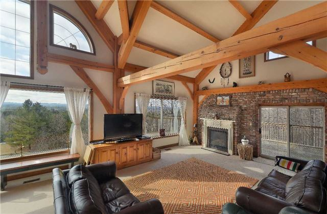 Detached at 9231 Finnerty Sdrd, Caledon, Ontario. Image 14