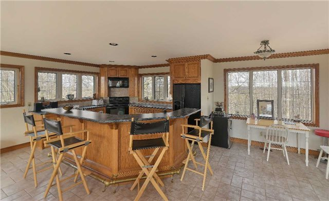 Detached at 9231 Finnerty Sdrd, Caledon, Ontario. Image 15