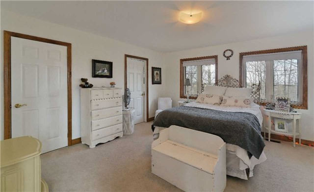 Detached at 9231 Finnerty Sdrd, Caledon, Ontario. Image 3
