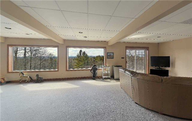 Detached at 9231 Finnerty Sdrd, Caledon, Ontario. Image 5