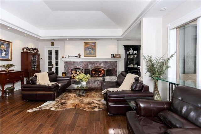 Detached at 1373 Aldo Dr, Mississauga, Ontario. Image 12