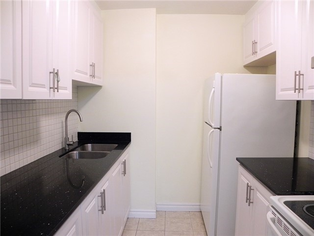 Condo Townhouse at 35 Four Winds Dr, Unit 11, Toronto, Ontario. Image 15