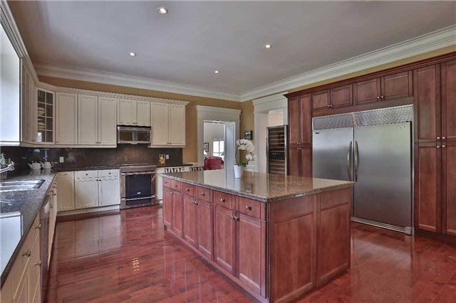 Detached at 2331 Colling Rd, Burlington, Ontario. Image 18