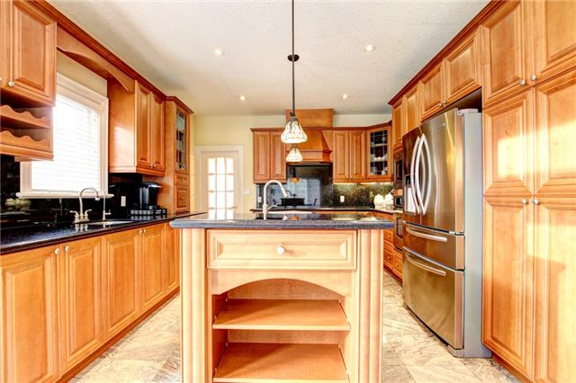 Detached at 4 Dempsey Crt, Caledon, Ontario. Image 19