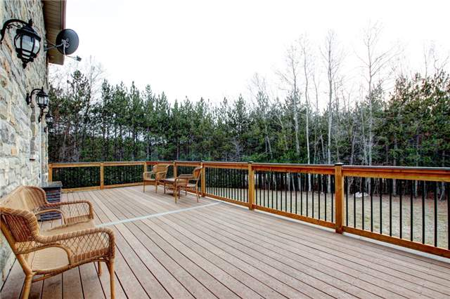 Detached at 4 Dempsey Crt, Caledon, Ontario. Image 11