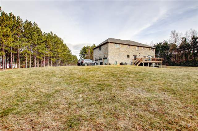 Detached at 4 Dempsey Crt, Caledon, Ontario. Image 13