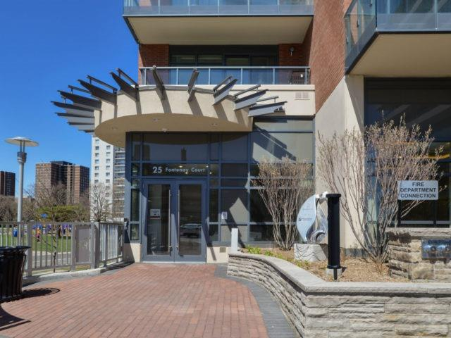 Condo Apartment at 25 Fontenay Crt, Unit 509, Toronto, Ontario. Image 12