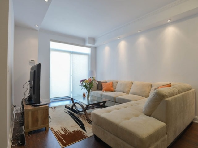 Condo Apartment at 25 Fontenay Crt, Unit 509, Toronto, Ontario. Image 16